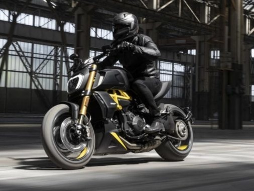Ducati Diavel Black And Steel Is An Absolute Eye-Candy
