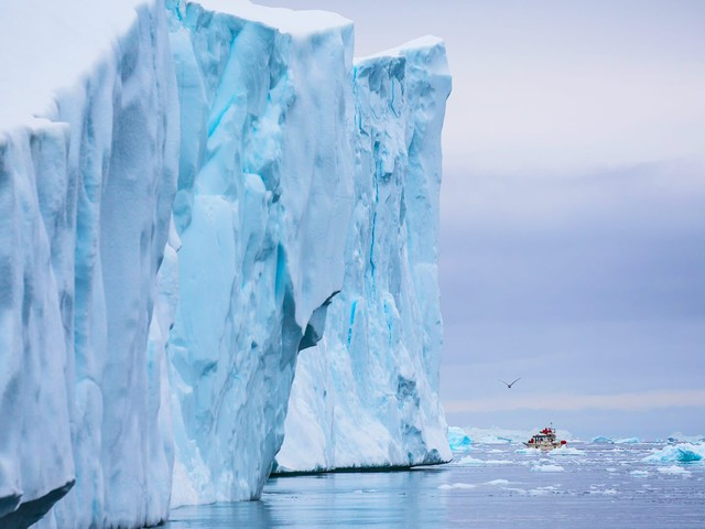 9-day Arctic Expedition to the Birthplace of Icebergs – West Greenland and Disko Bay