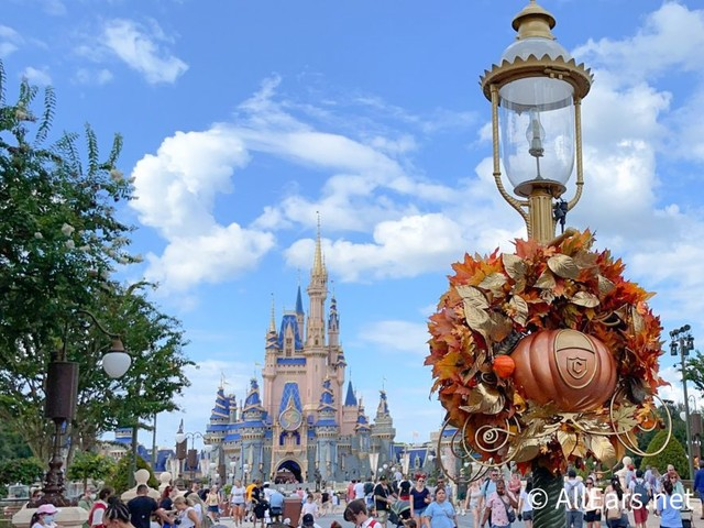 Mickey Pumpkin Wreaths Are GONE in Magic Kingdom