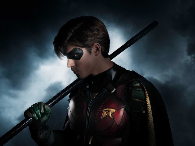 DC's Titans first look photo shows off Robin's new costume