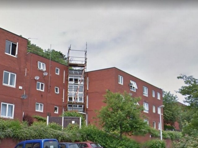 Pair charged with drug dealing after police raid in Runcorn