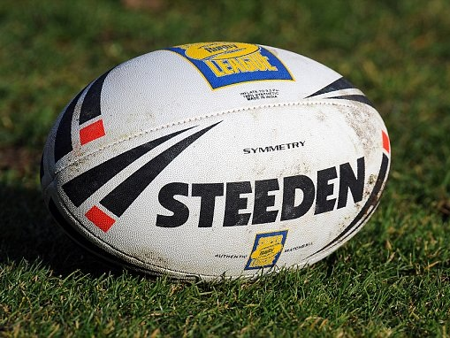 Castleford 45-20 Wakefield: Tigers lift Shield