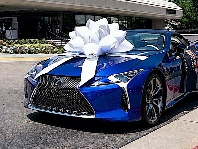 $2 Million, One-Off Lexus LC 500 Is Nothing Without the Proper Gift Ribbon