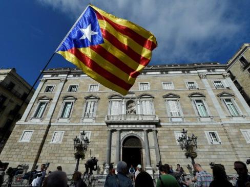 EU refuses to get involved in Catalan leader arrest warrant