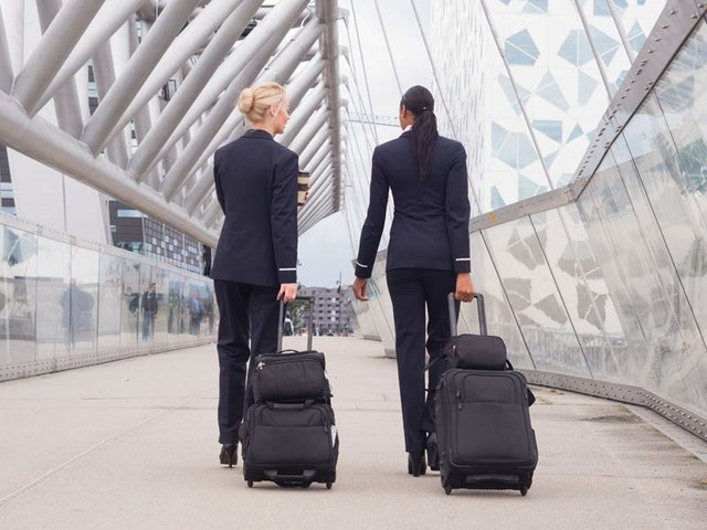 2 American Airlines flight attendants tell us the travel essentials they'd never fly without