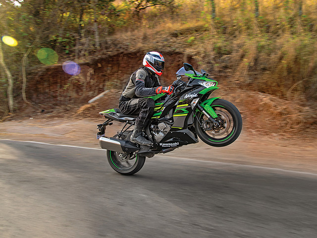 Review: 2019 Kawasaki Ninja ZX-6R review, test ride