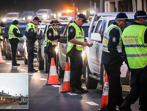 Man who tried to catch taxi from Victoria to NSW to is charged with breaking coronavirus laws