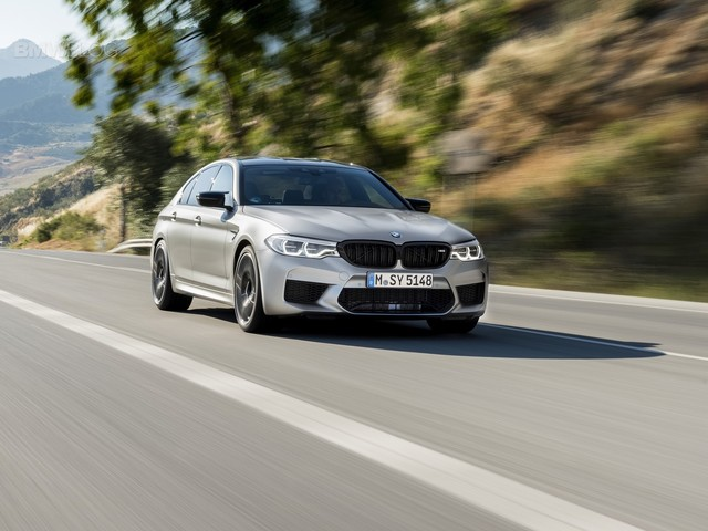 VIDEO: BMW M5 Competition vs DMS-tuned BMW M5