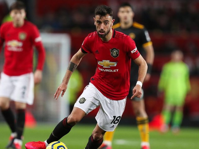Diogo Dalot insists new teammate Bruno Fernandes can handle Man Utd pressure