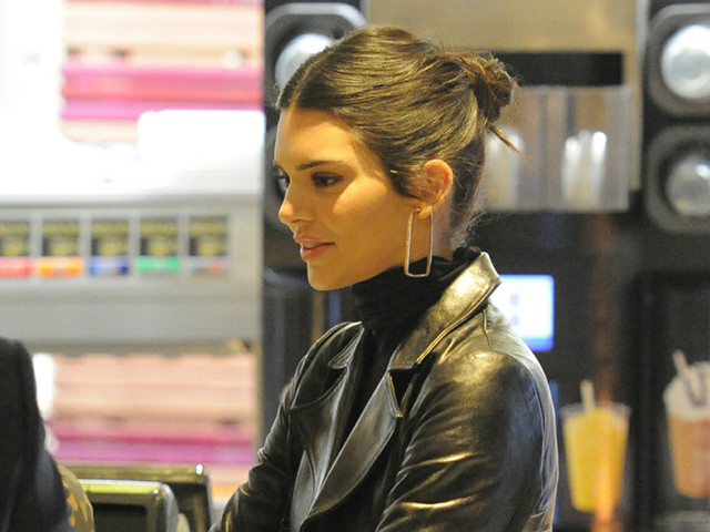 Kendall Jenner Grabs a Snack at McDonald's After Attending Fashion Awards 2018 in London!
