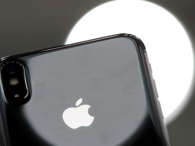 T-Mobile is offering a $300 discount on the iPhone 8 and iPhone X — but there's a big catch (APPL, TMUS)