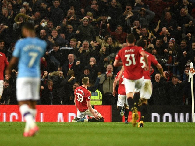 Premier League: Man United maintain superiority over City