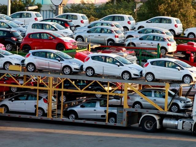 Ford crushes October sales estimates amid truck boom (F, GM, FCAU, NSANY)