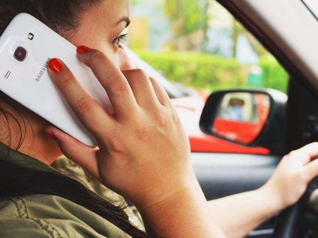 Do smartphones make headaches worse?
