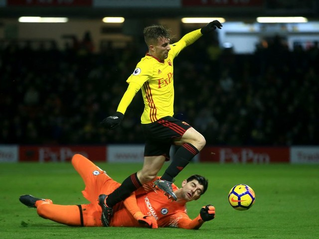 Courtois blames reckless refereeing, Deulofeu dive for Chelsea collapse