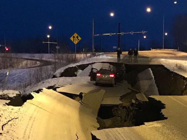 7.0 Earthquake Hits Alaska, Triggers Tsunami Warning