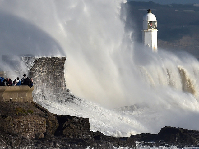 Storm Ophelia Latest Sees Disruption Continue Into Second Day