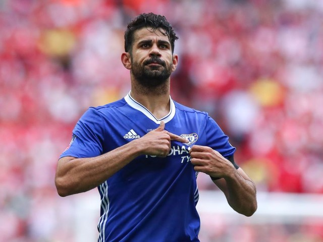 Antonio Conte has handled Diego Costa situation poorly and squad are starting to side with striker, blasts Martin Keown