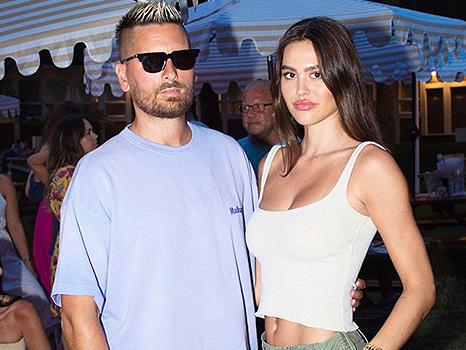Scott Disick Unfollows Ex Amelia Hamlin & Kardashians After DM Drama