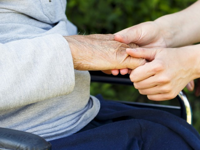 Life Expectancy Has Stalled Thanks To Dementia - Which Is Bad Because..?