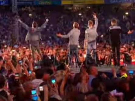 Westlife feature fans in Dynamite music video