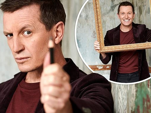 Rove McManus says viewers can expect 'full frontal action' on his SBS live life drawing special