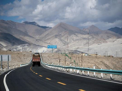 For Pakistanis, China 'friendship' road runs one way