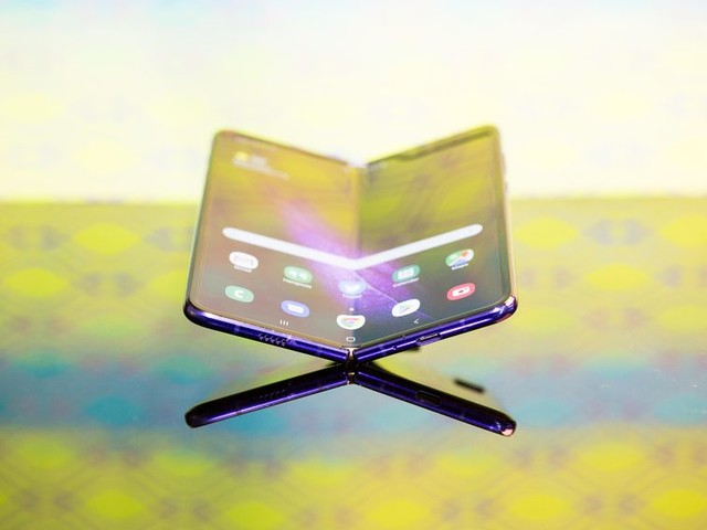 Galaxy Fold's next move will make or break foldable phones - CNET