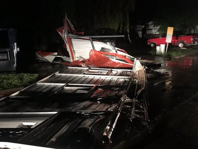 2 dead as tornado destroys hotel, trailer park in Oklahoma
