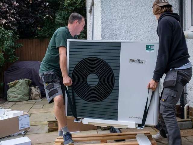 Homeowners set to be offered £5,000 grants for heat pumps - everything we know