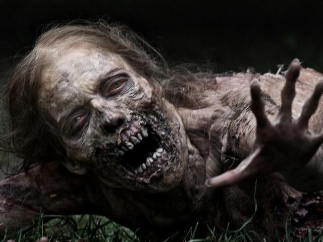The Moment [Spoiler] Was Bitten in Walking Dead Season 8