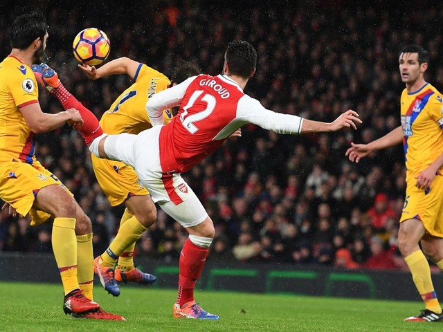 Arsenal fans troll Manchester United after Olivier Giroud is nominated for Puskas Award and Henrikh Mkhitaryan is not