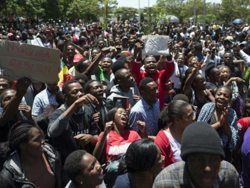 Mugabe granted immunity, assured of safety in Zimbabwe