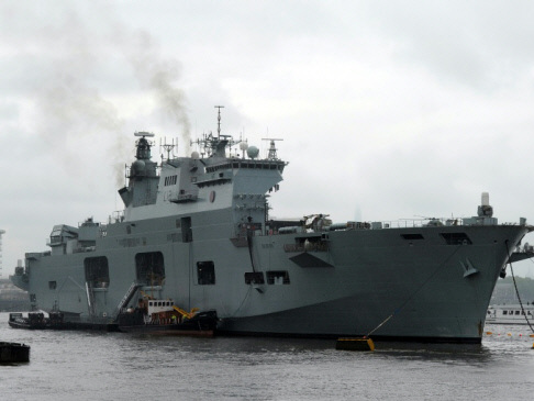UK boosts aid budget for Irma, sends two warships