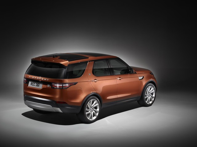 New Land Rover Discovery Is Ugly – Why? Land Rover Design Boss Blames License Plate Thickness