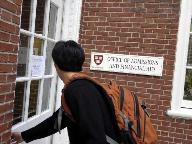 Justice Department Is Investigating Potential Racial Bias in Harvard's Admission Practices