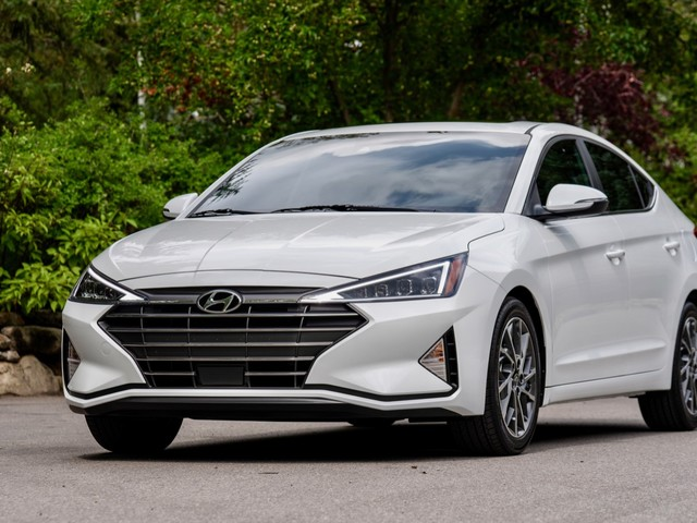 2020 Hyundai Elantra gets a CVT and more safety tech