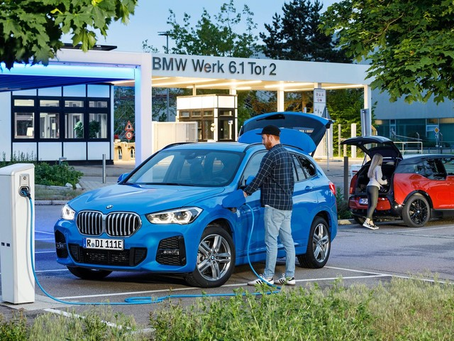 BMW Plant Regensburg to produce electric drive components from 2021