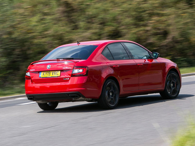 Skoda Octavia vRS Challenge 2019 UK review