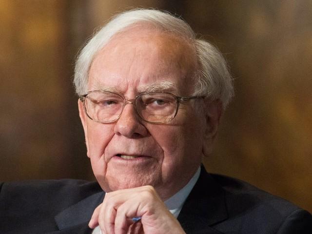 Warren Buffett's $800 million bet on Bank of America is almost a guaranteed winner, Berkshire Hathaway investor Bill Brewster says
