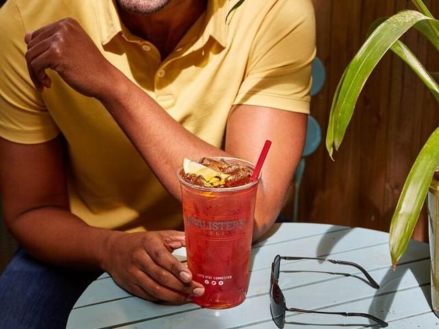 Summer Iced Tea Festivals - McAlister's Deli is Celebrating Summer with its Sweet Sips Tea Fest (TrendHunter.com)
