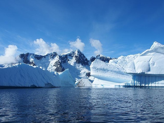 'Stable' glaciers in East Antarctica 'beginning to melt'