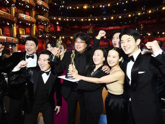 Inside the Oscars, 'Parasite' Points an Elated Hollywood Forward