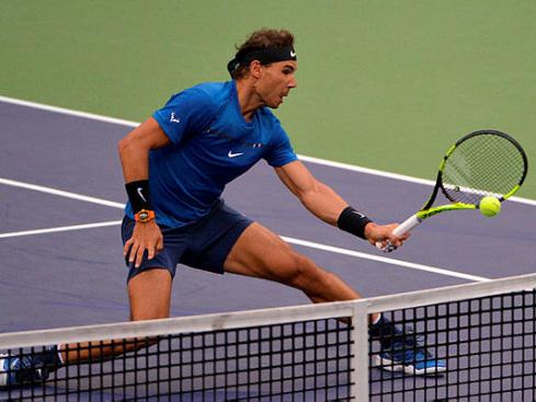 Gritty Nadal battles into Shanghai semis