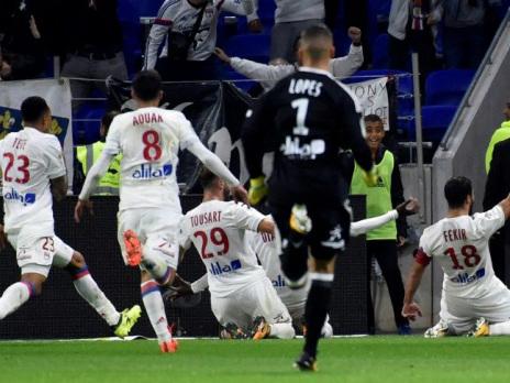 Monaco beaten by late Lyon thunderbolt