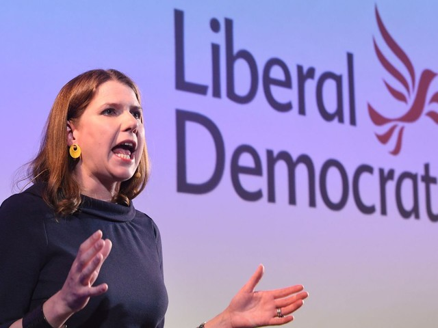 Swinson agrees to meet Corbyn to discuss his plan to become temporary PM
