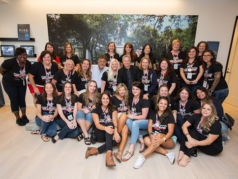 Gary Sinise Foundation, TAPS And American Airlines Give Spouses Of Fallen Service Members A Hollywood Adventure