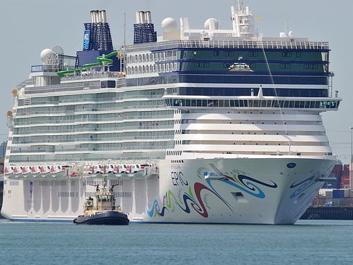 Search for teenage girl in pink pyjamas who fell from cruise ship between Mallorca and Menorca
