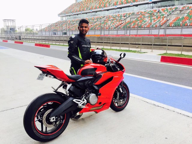 Kawasaki Ninja ZX-10R rider dies of Brain Hemorrhage as they could not remove his helmet