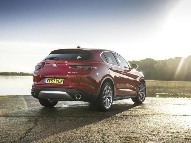 Alfa Romeo Stelvio 2.2 210 Diesel Q4 AWD Super UK 2017 review